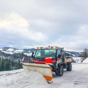 MPC-P-Snow-plough-for-narrow-track-vehicles
