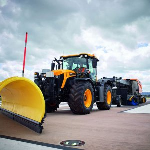 Schmidt-SNK-55.1-Airport-Snow-Plough